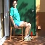 Ćwiczenia w pozycji siedzącej zwiększające siłę mięśni nóg