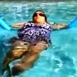 Pływanie na makaronie, rozciąganie mięśni piersiowych, wzmacnianie mięśni pośladkowych i górnej części pleców – I trymestr