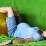 Ćwiczenie rozciągające dolną część kręgosłupa, I trymestr