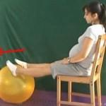 Łatwe ćwiczenia przeciwobrzękowe na krześle z piłką