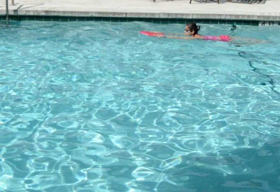 pływanie i oswajanie z wodą