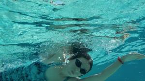 pływanie, nauka pływania, ątnauka pływania dla początkujących, ćwiczenia w wodzie, ćwiczenia w wodzie w ciąży, pływanie w ciąży
