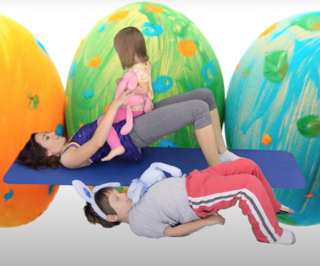 ćwiczenia z niemowlakiem na mięśnie pośladkowe